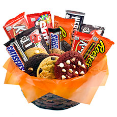 AG28 - Gourmet and Candy Combo Basket - 1 Dozen
